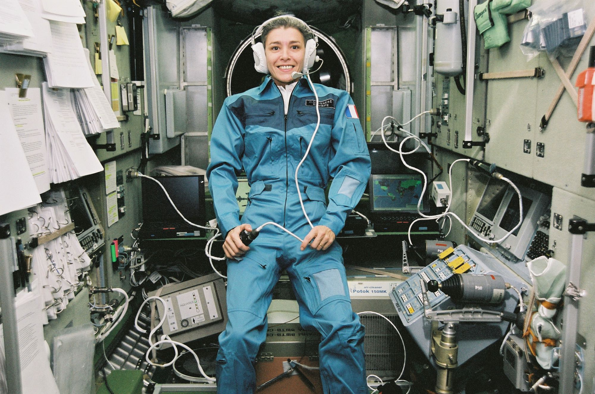 Claudie Haigneré aboard the ISS during her Andromeda mission in 2001.  Credit: CNES/Claudie Haigneré
